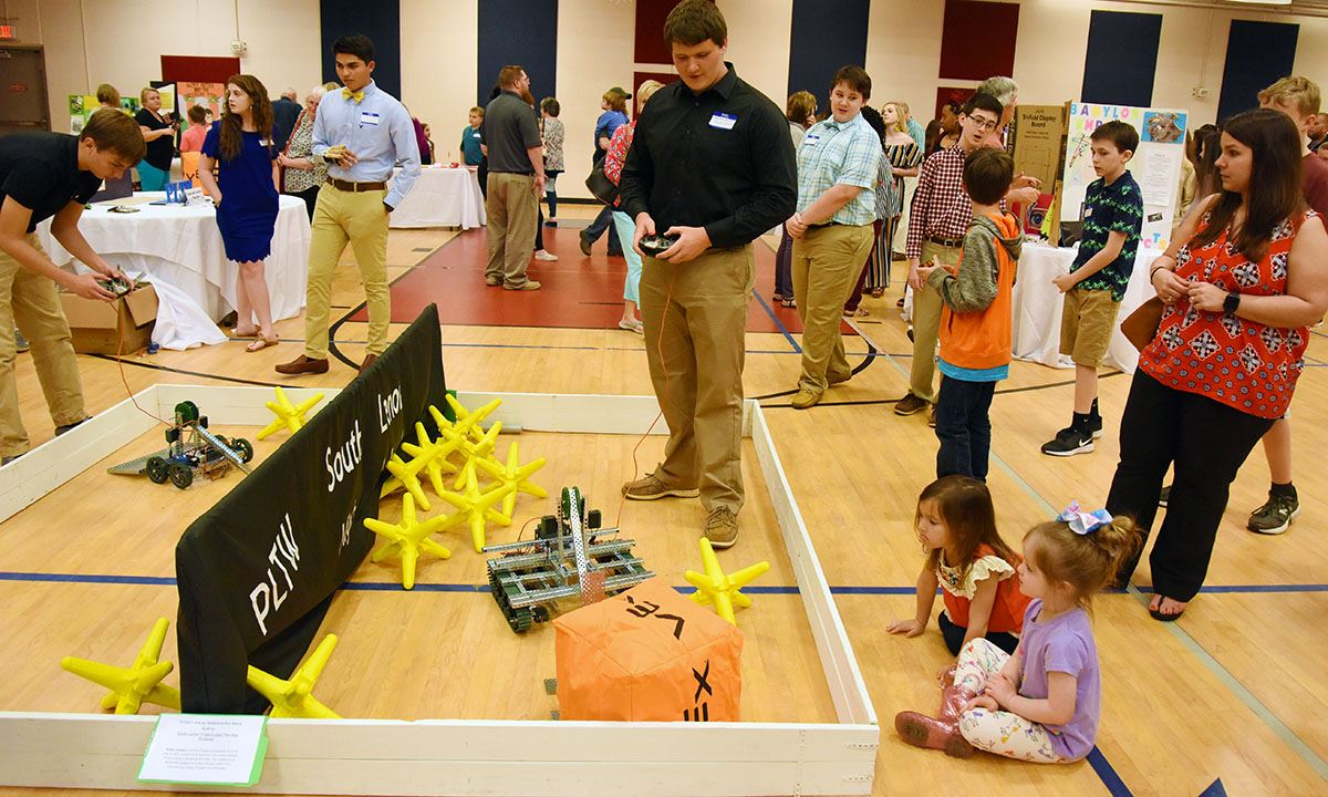 South Lenoir students demonstrate robots at Gifted Gala 2019.